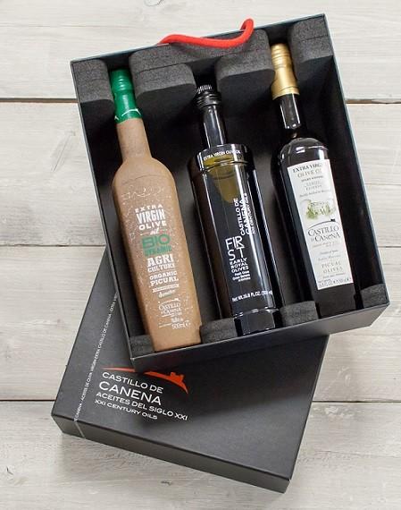 """Geschenkpakket """"CAJA NEGRA tres"""" Olijfolie Picual & Arbequina + Early Royal  BIO/DEMETER 3 fles 500ml. Castillo de Canena"""